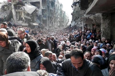 Comité de Ministerio Canadiense busca hacer posible la traída de 25 mil refugiados Sirios