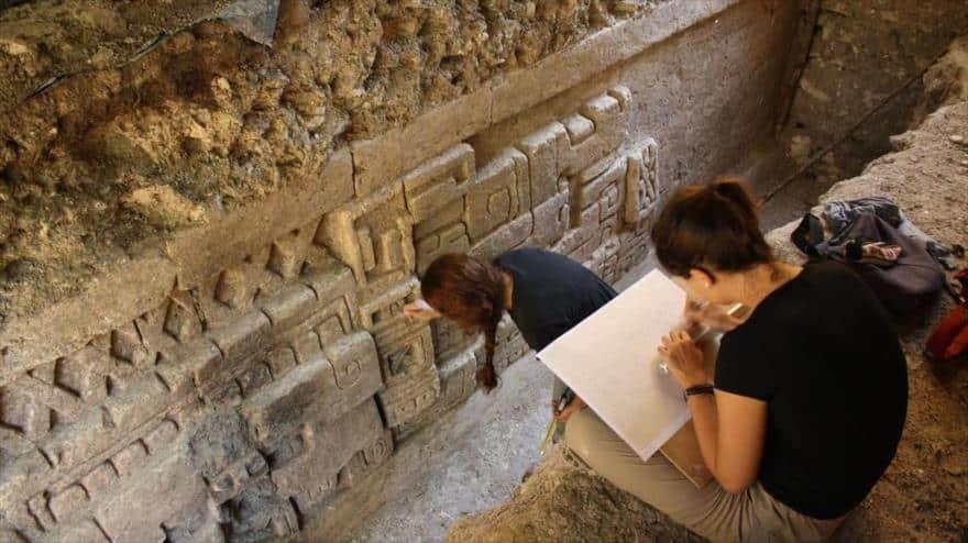 En Guatemala descubren cocinas comunales Mayas de más de 2700 años