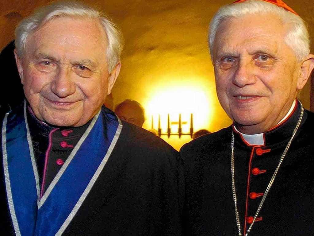 Los horribles hechos que involucran al hermano de Benedicto XVI