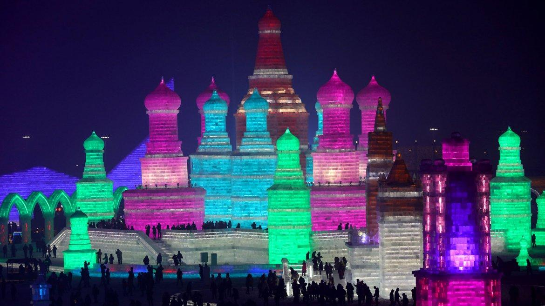Impresionantes palacios de hielo en China