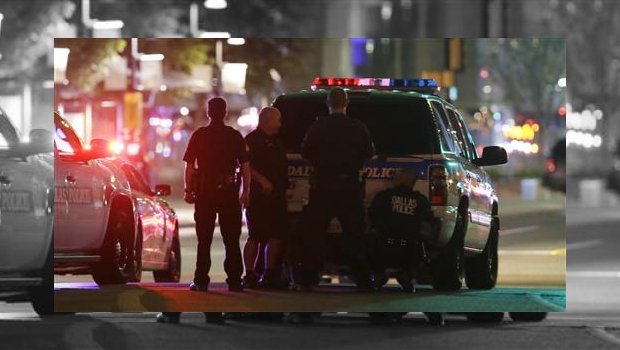 Tras protestas en Dallas 5 policías mueren y 7 resultan heridos por disparos. En tanto, uno de los sospechosos fallece.