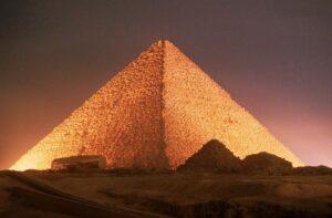 10-sorprendentes-datos-sobre-la-enorme-piramide-de-Giza-2