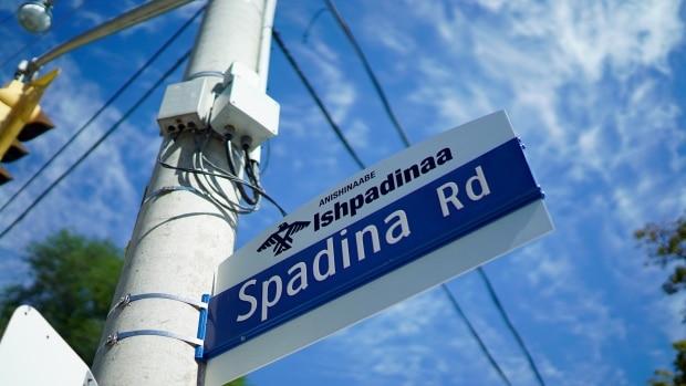 Nuevas señales de las calles de Toronto rescatan historia de Primeras Naciones