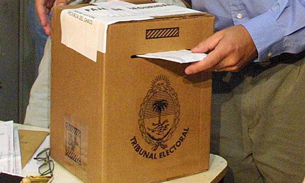 Argentina: reforma electoral aprobada por congreso incluye voto electrónico y mejoras en paridad de género