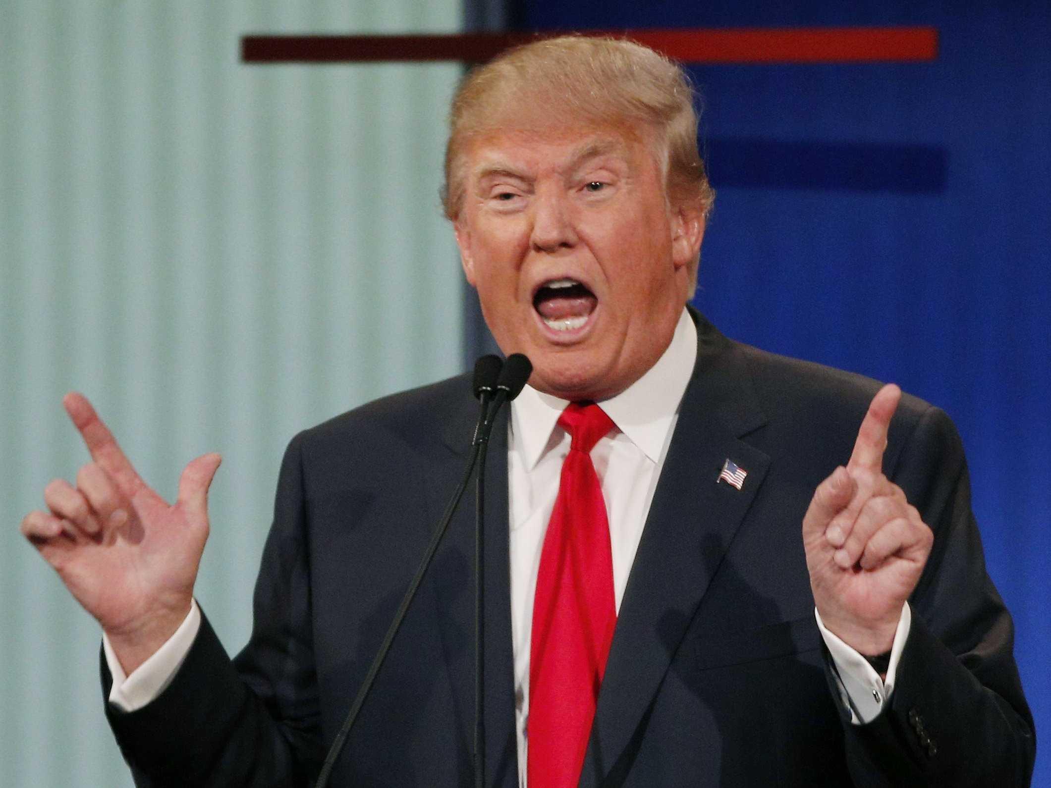 Tras triunfo de Trump, registran alrededor de 900 crímenes de odio en EEUU