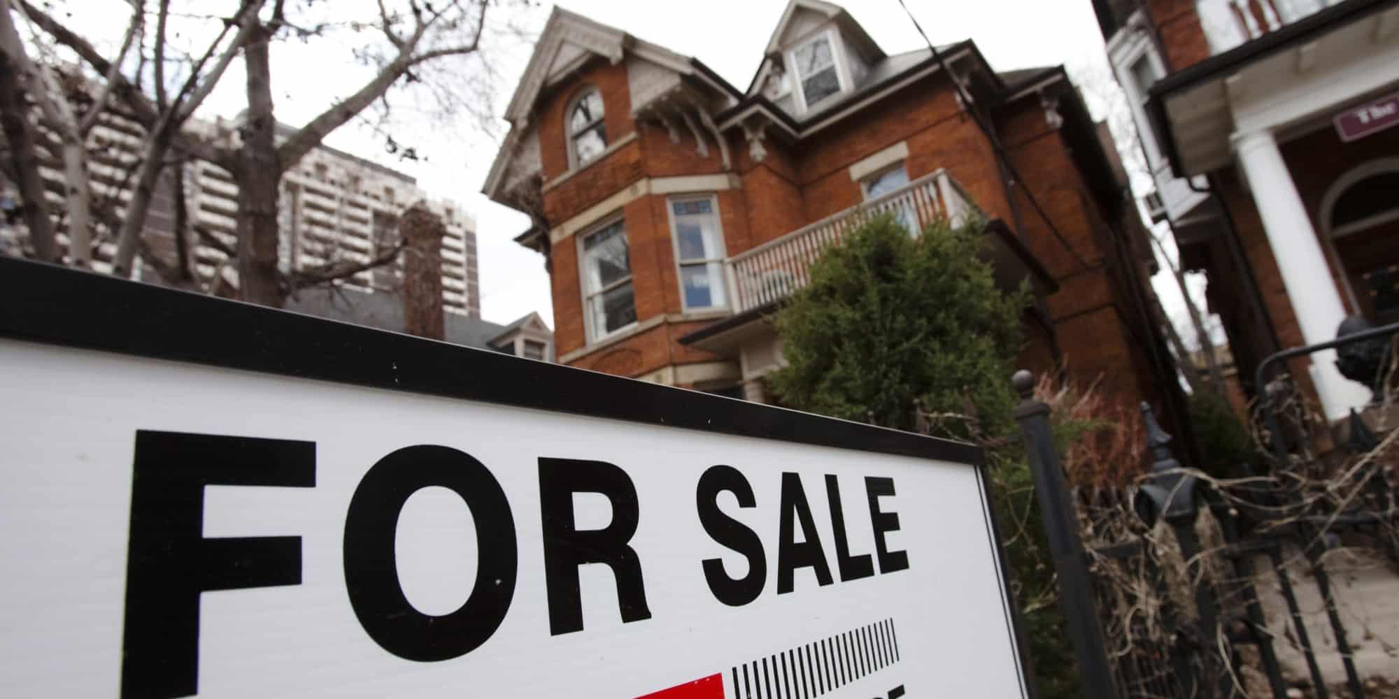Promedio de precios de casas en Toronto suben un 23%