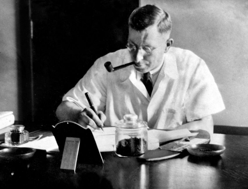 11 de Enero: En Toronto, se utiliza por primera vez en la historia la insulina para tratar la diabetes