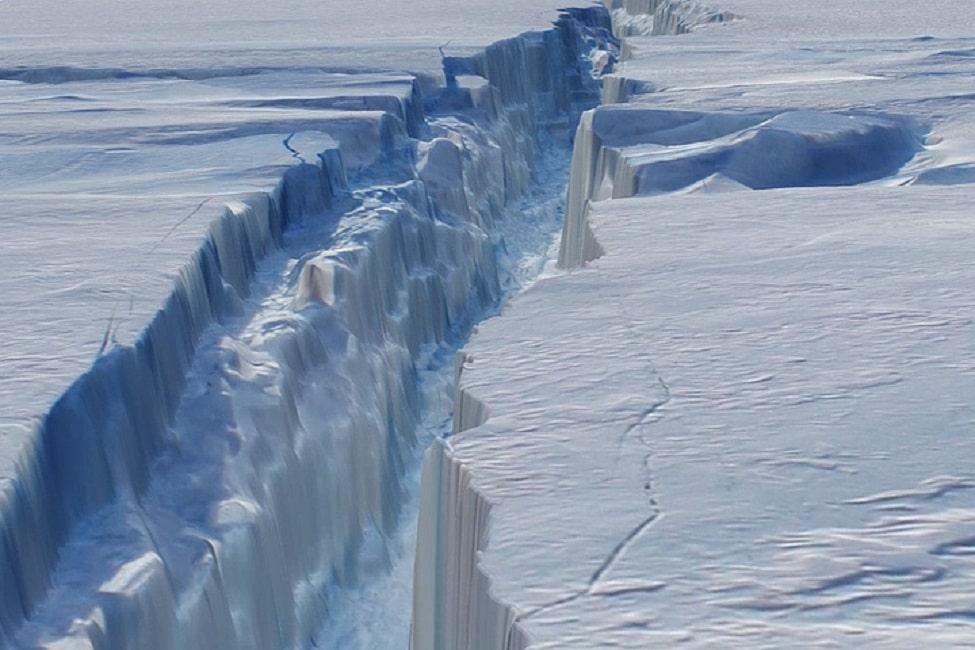 Iceberg de 5 mil Km2 se desprenderá de la Antártica. Este hecho cambiará fundamentalmente al continente helado
