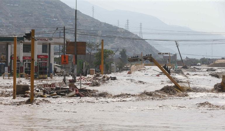 Nuevo Frente de lluvias amenaza agravar inundaciones en Perú