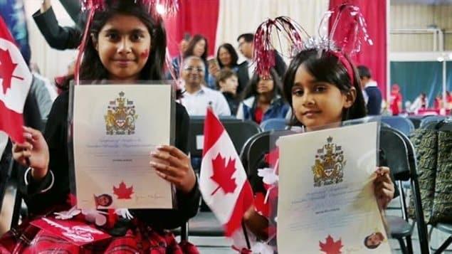 Encuesta revela qué piensan y temen los canadienses sobre los inmigrantes