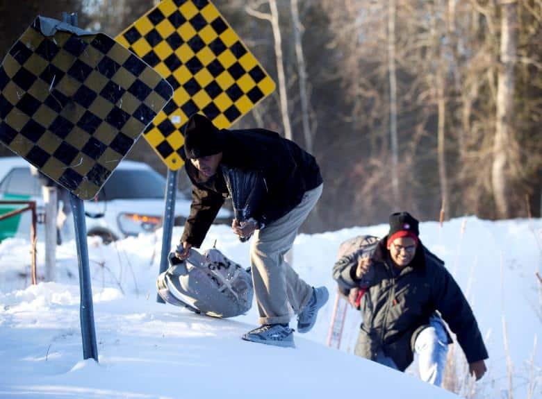 Peticiones de refugio suben en Canadá