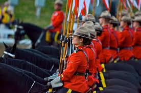 La Real Policía Montada de Canadá busca reclutas mujeres