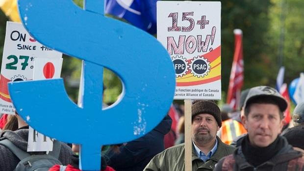 70% de Torontianos apoya subir el sueldo mínimo a $15, sostiene estudio