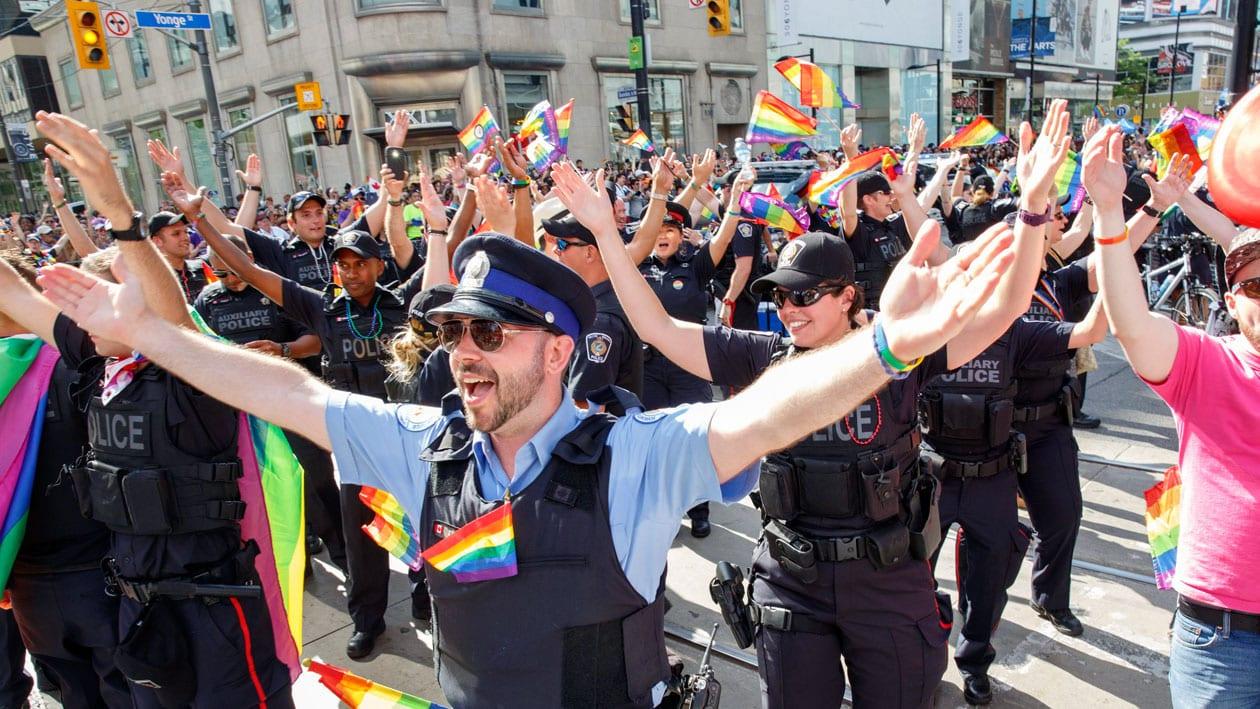 Oficiales de Policía LGBTQ hacen un llamado a suspender aporte de la ciudad de $260.000 al Pride Parade