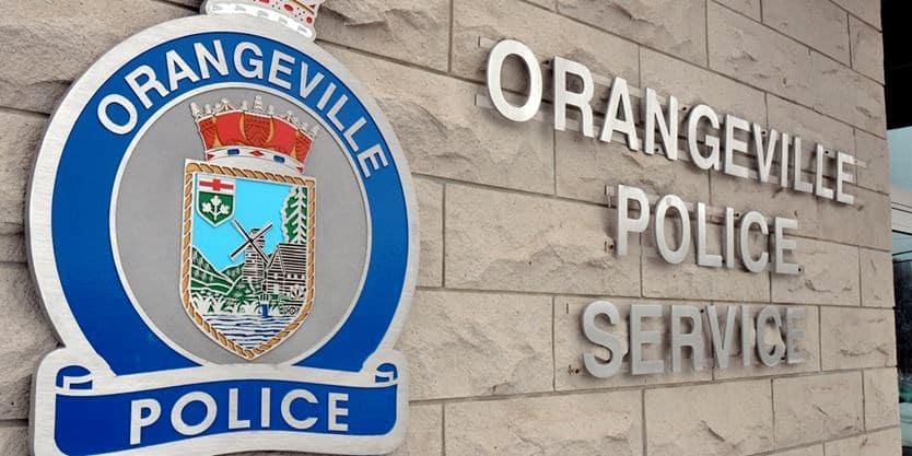 Profesora de primaria de  Orangeville acusada de atacar a estudiante