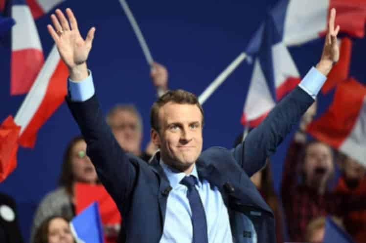 Centrista Macron derrota inapelablemente a ultraderechista Le Pen en balotaje en Francia