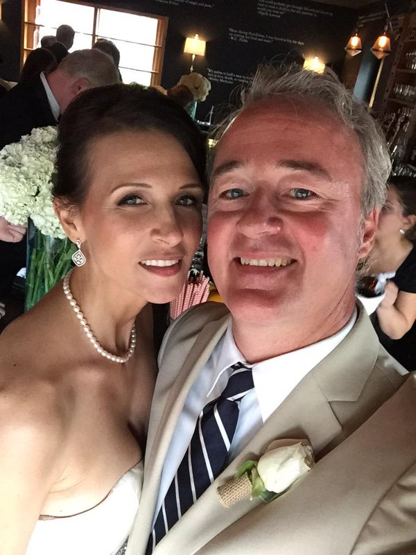 Matrimonio de Toronto presenta cargos criminales en contra de publicación de extema derecha
