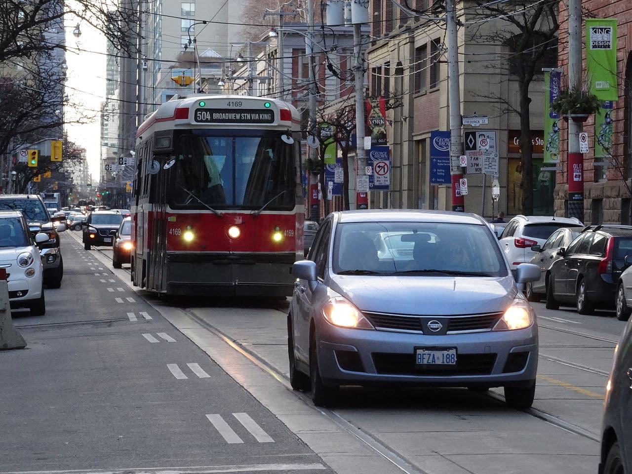Se aprueba estudio que pide aumentar los tranvías en King St y disminuir tráfico