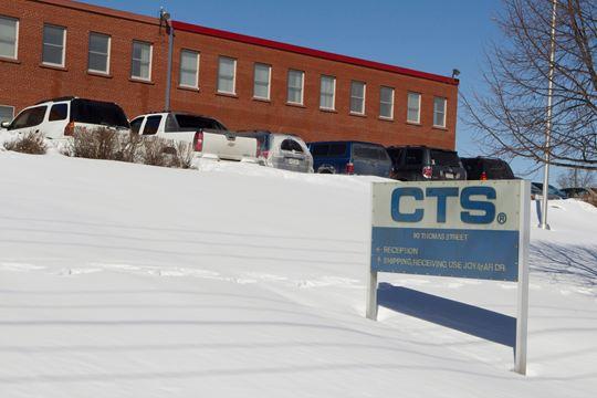 Denuncian a fábrica de Mississauga de incumplir leyes laborales básicas al despedir decenas de trabajadores