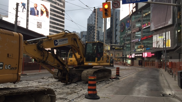Trabajos de construcción cerrarán tramo de Dundas Street durante dos meses