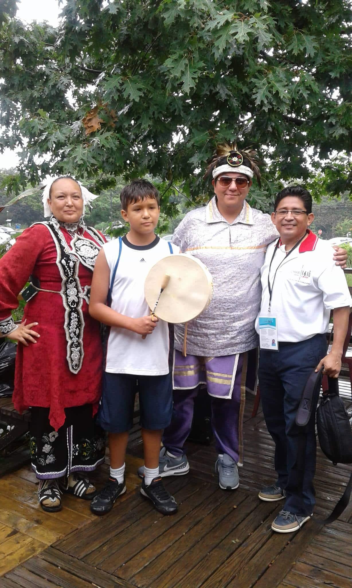 Global Village anima al público a respetar la Madre Tierra