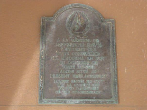 Remueven placa que honraba a Presidente confederado Jefferson Davis en Montreal