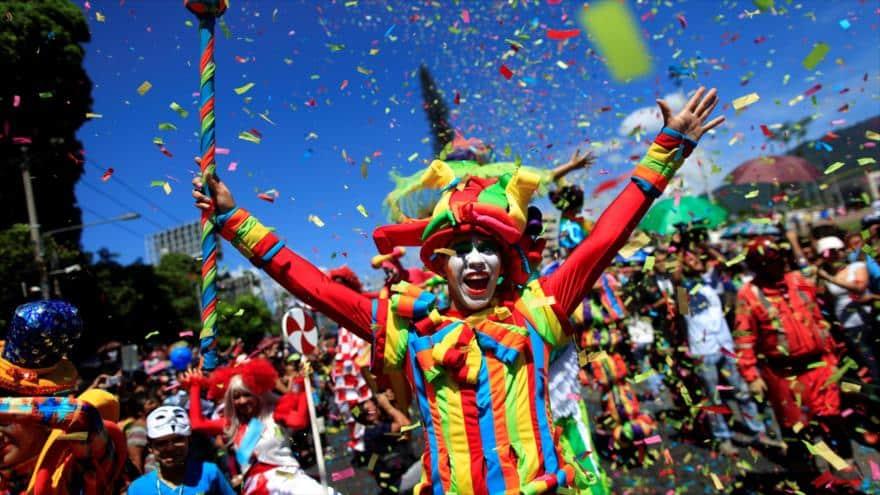 Mas de un millón de personas celebran las tradicionales  Fiestas Patronales en San Salvador