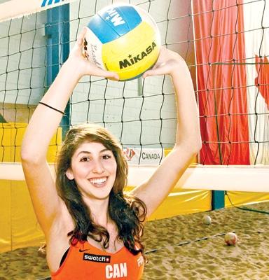 Chilena Canadiense avanza en Mundial de Volley playa representando a Canadá