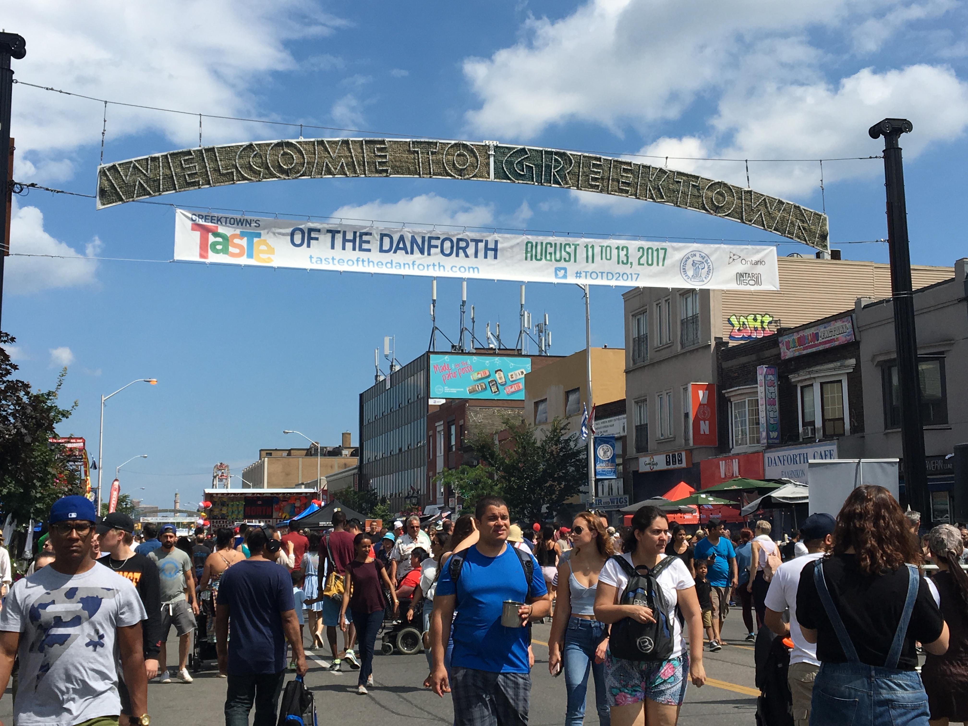 Toronto saboreó el mundo en Taste of Danforth