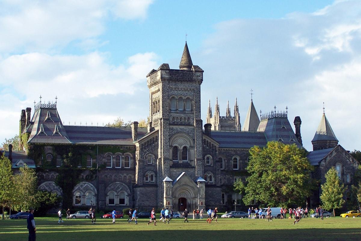 Universidad de Toronto niega autorización de manifestación supremacista canadiense