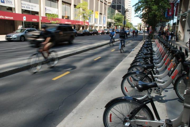 Toronto queda atrás en instalación de ciclovías en contexto norteamericano, indican expertos