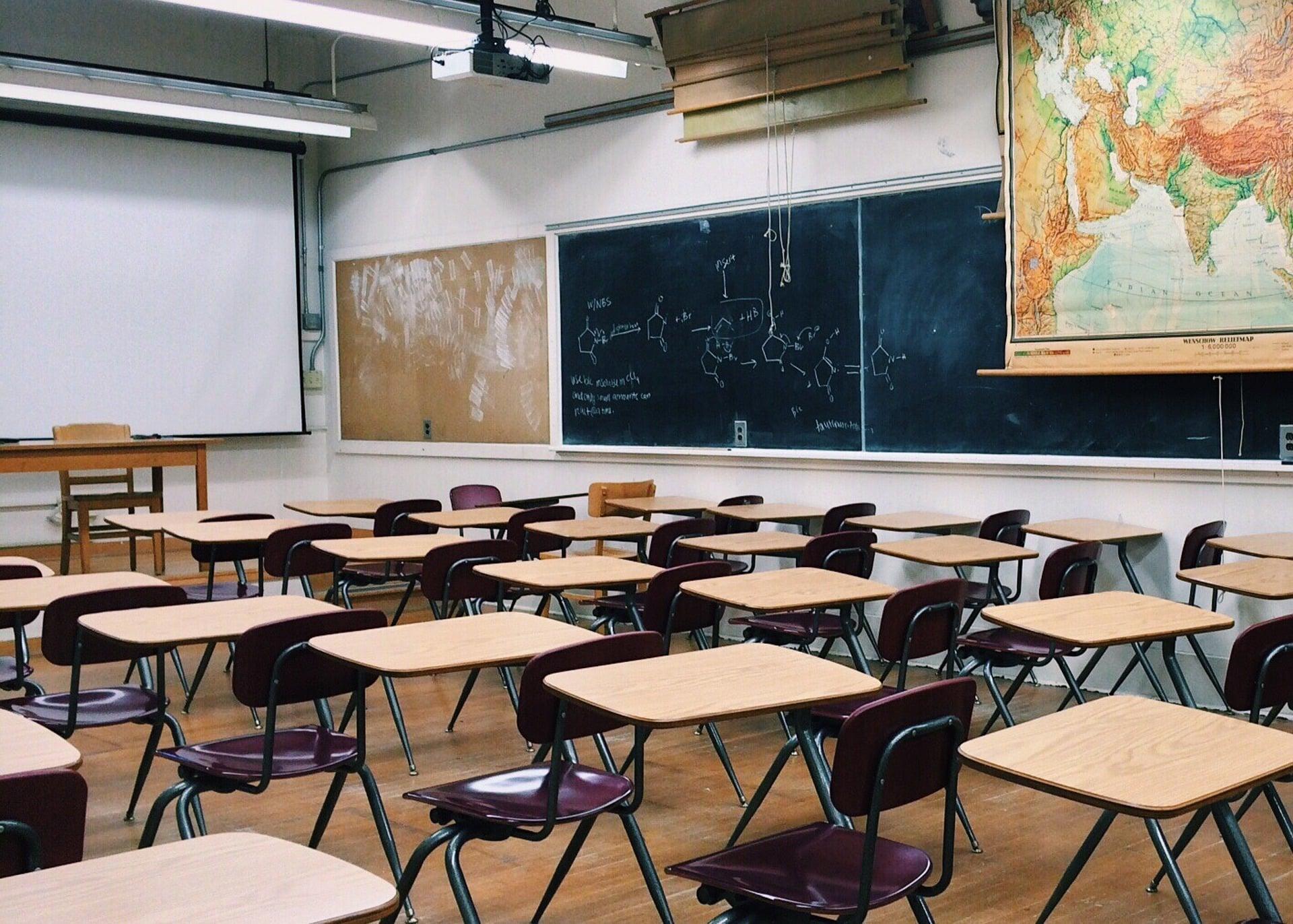 Profesores de Peel exigen aire acondicionado para las salas de clases en septiembre