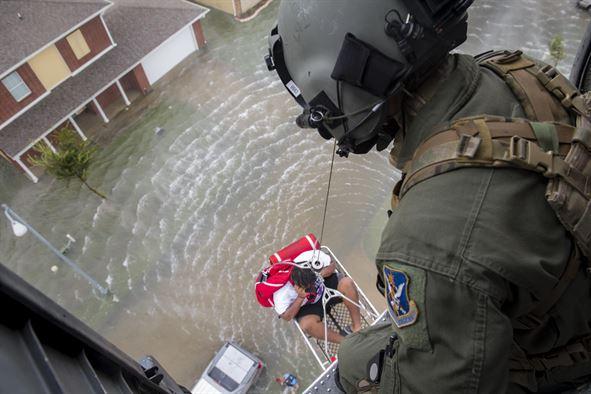 Canadá espera enviar ayuda militar por Huracán Irma