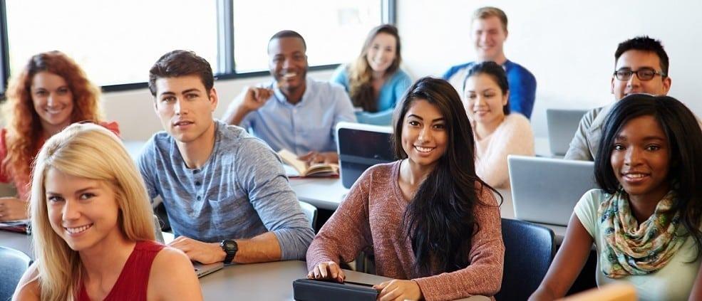 Un tercio de los estudiantes universitarios de Ontario reciben becas de estudios