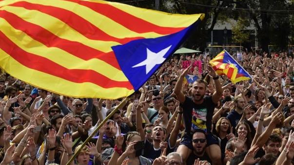 Cataluña en huelga general tras violencia en referéndum