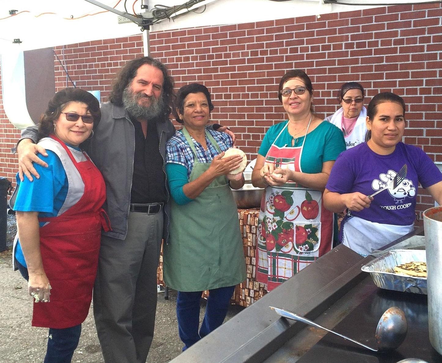 Con éxito Octavo Festival de la Pupusa dedica celebración a México
