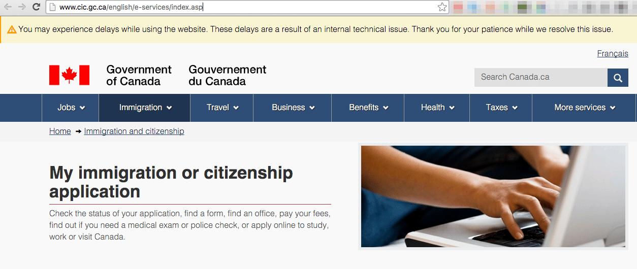 Oficiales de inmigración canadienses buscan mejorar su página web tras encontrarla