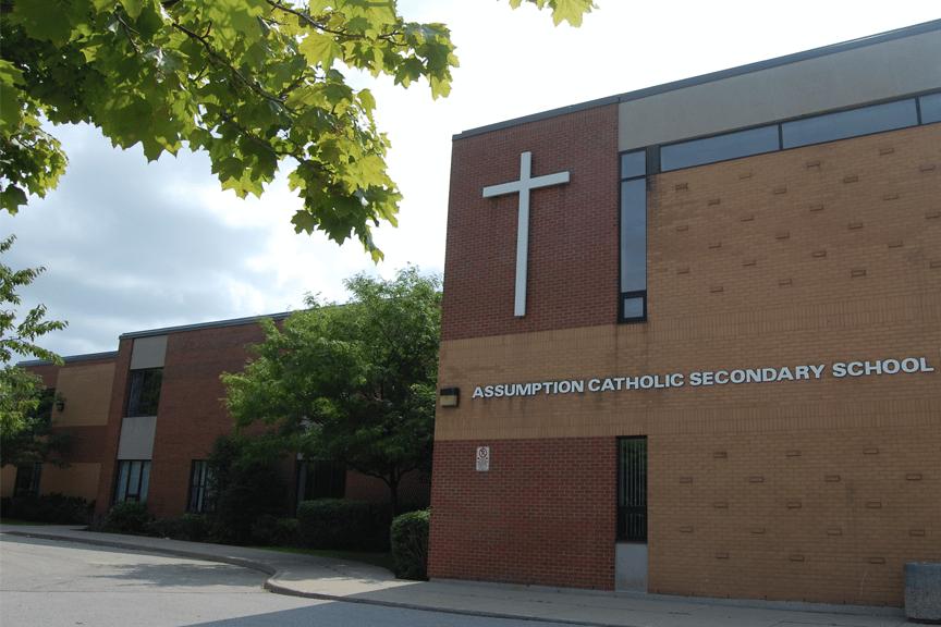 Colegios Católicos de distrito de Ontario introduce polémica medida de