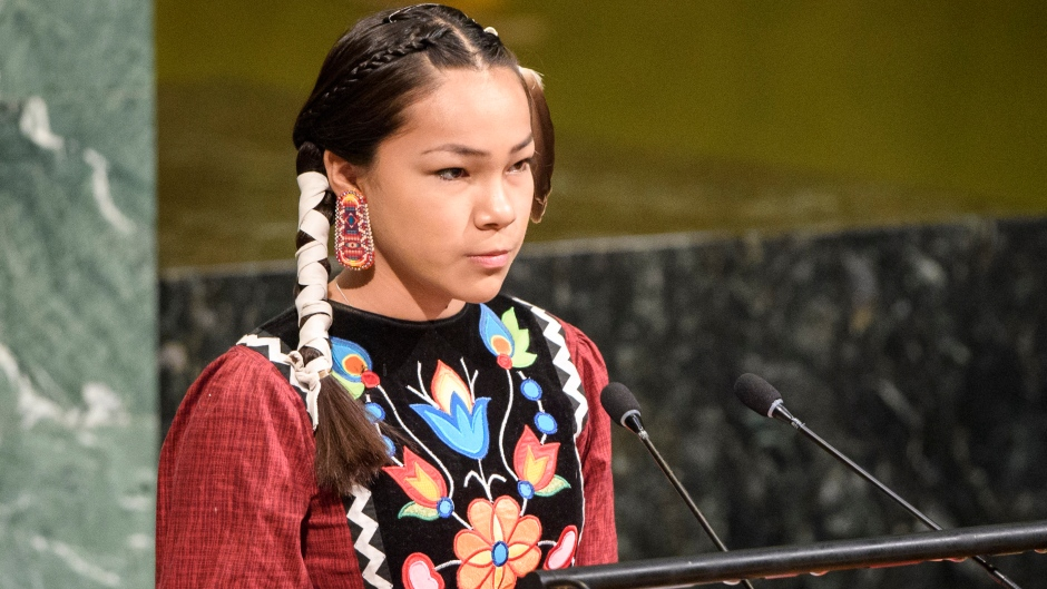 Adolescente activista canadiense se convierte en figura global tras hablar en la ONU en Día del Agua