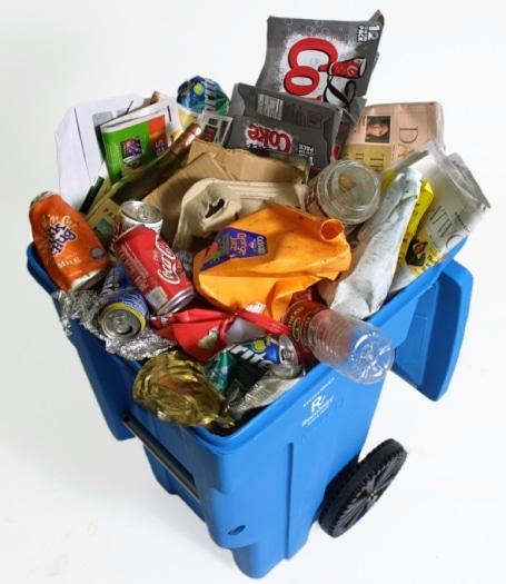 Advierten que poner basura en tarros de reciclaje genera enormes pérdidas y toneladas de desperdicio