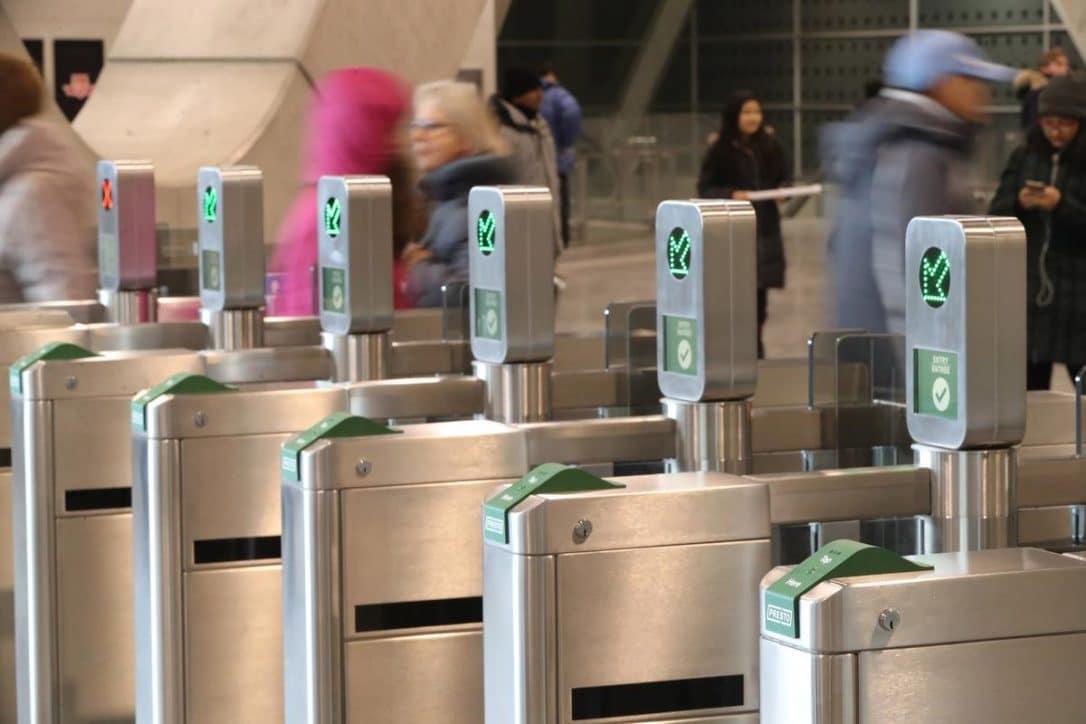 Metrolinx planea instalar un sistema de pago a través de los celulares