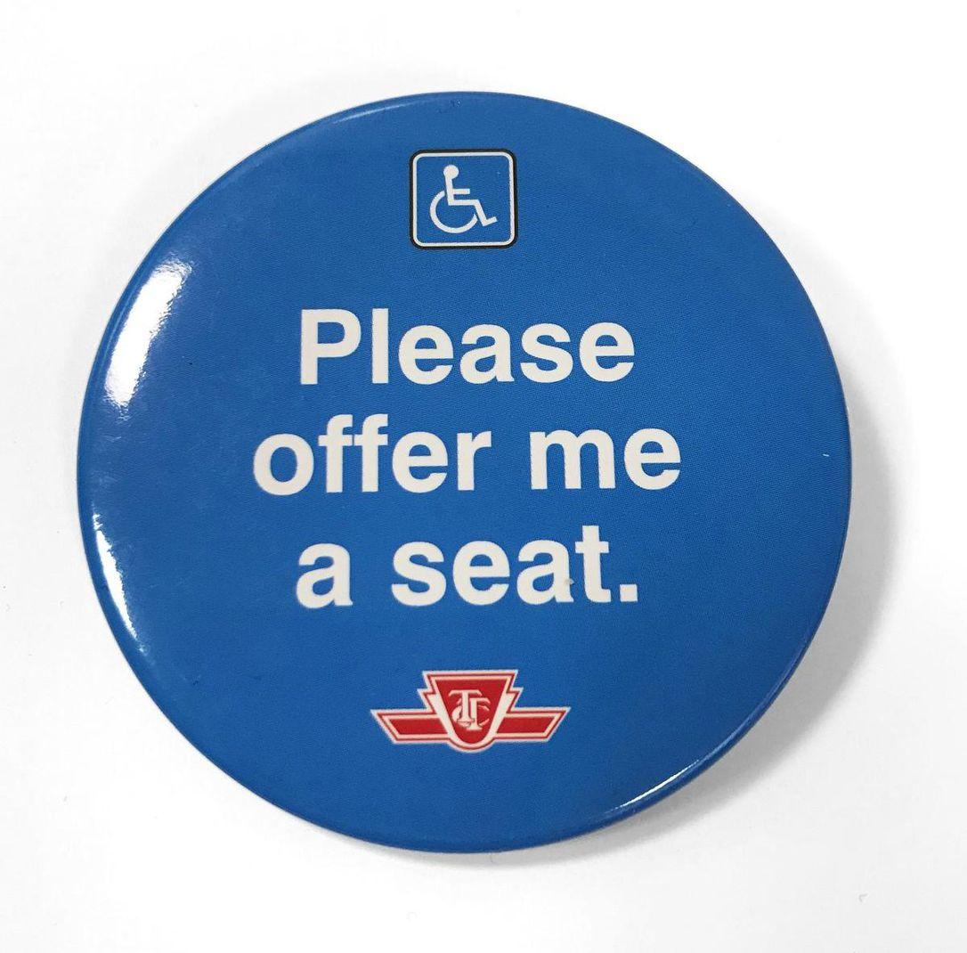 TTC lanza campaña de botones distintivos para personas con discapacidad